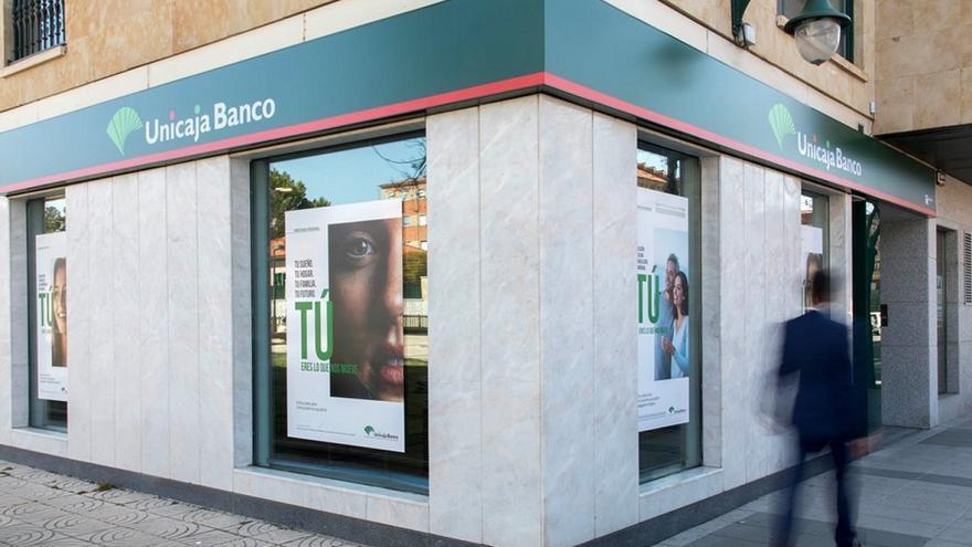 Los sindicatos presentes en Unicaja Banco rechazan el documento de armonización laboral