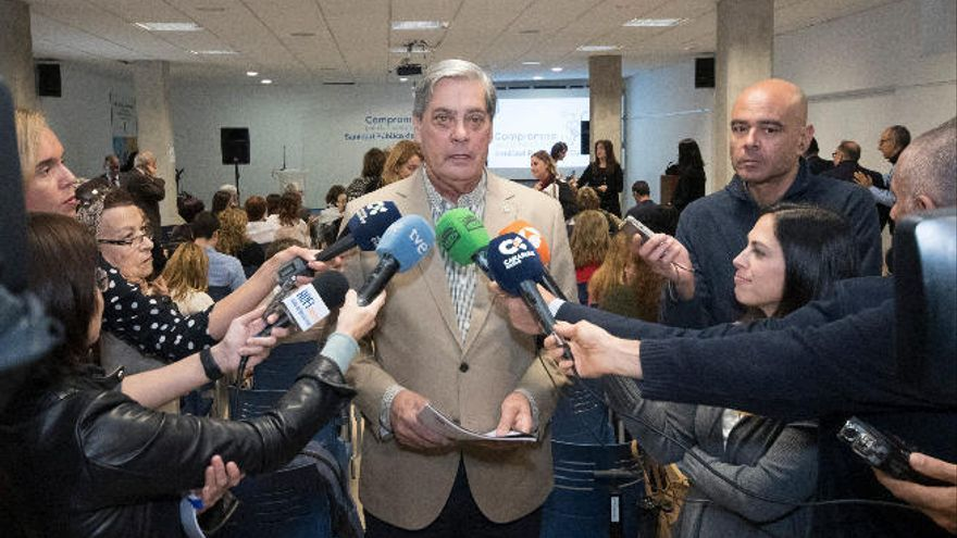 Médicos de Las Palmas reelige a Cabrera de presidente
