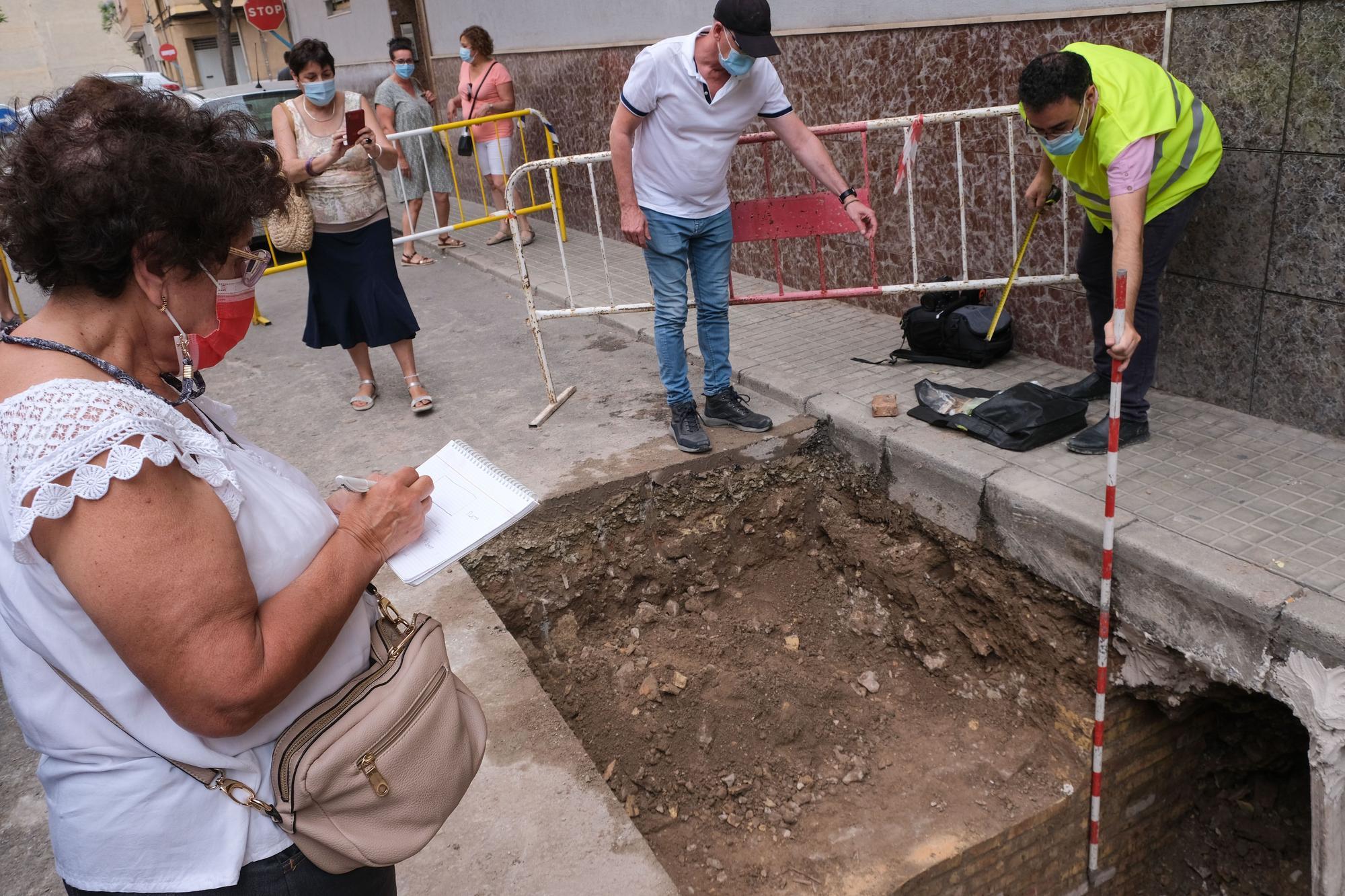 Descubren una entrada desconocida en el mayor refugio antiaéreo de Novelda