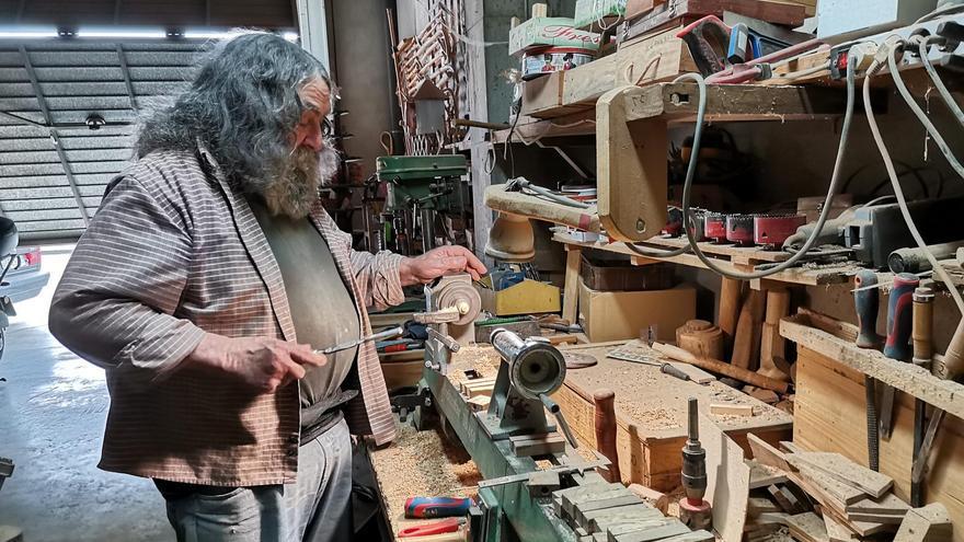 Josep Descamps Carola al seu taller de Vila-sacra