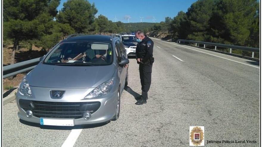 Encuentran en Yecla a un conductor desorientado que condujo desde Mallorca