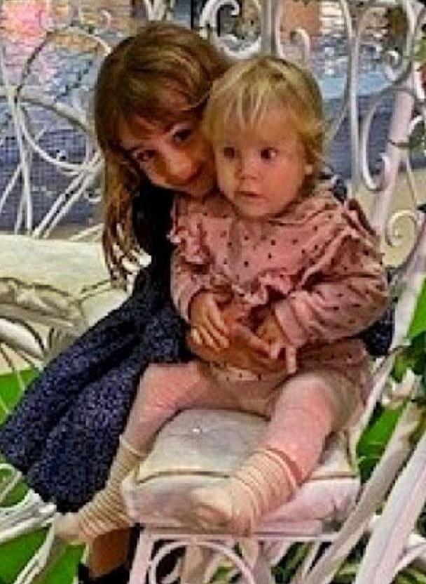 Las pequeñas Olivia y Anna   ELD