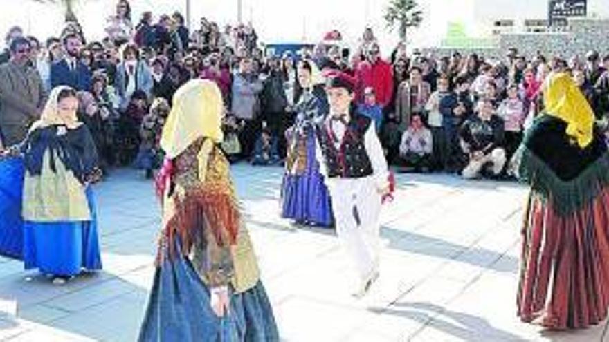 Las 'colles' de 'ball pagès' de Sant Antoni, con más ganas que nunca de actuar