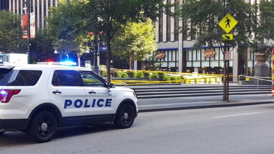 Al menos 4 muertos en un tiroteo en un banco de EEUU