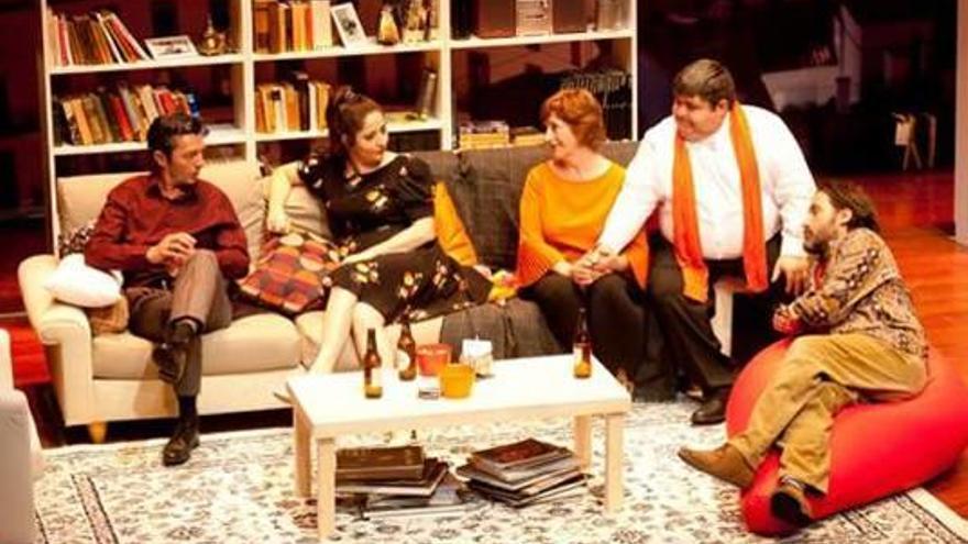 """El Teatre Micalet s'ompli  de rialles amb """"El nom"""""""