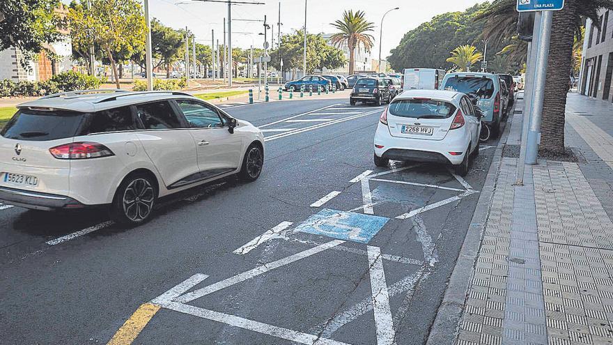 """Santa Cruz mejorará 266 aparcamientos para personas con movilidad reducida por ser """"inaccesibles"""""""