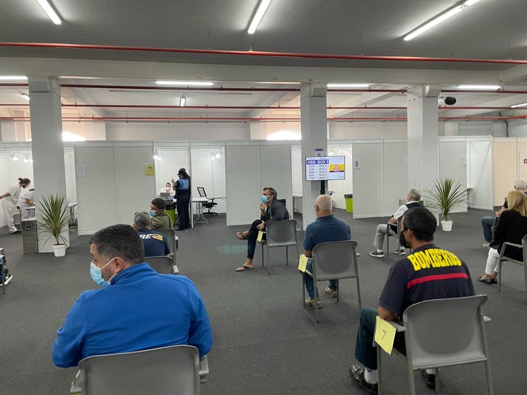 Comienza la vacunación de la Policía Local y los Bomberos de Las Palmas de Gran Canaria
