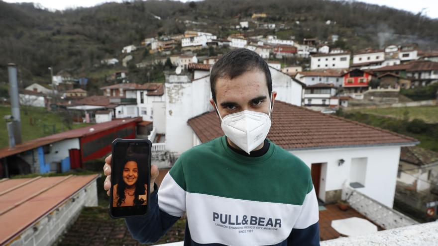 El allerano Daniel García y la mierense Bárbara Vázquez: 12 kilómetros en coche y una pandemia de distancia