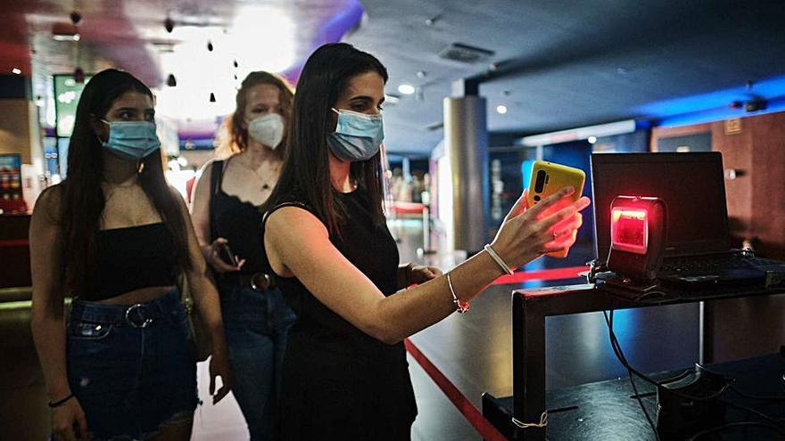 Yelmo Cines cierra lunes y martes sus  dos salas de la Isla para reducir costes