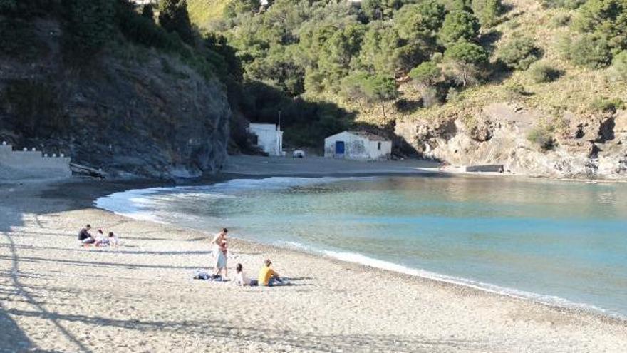 Portbou i Cervera esborren les fronteres en una acció turística