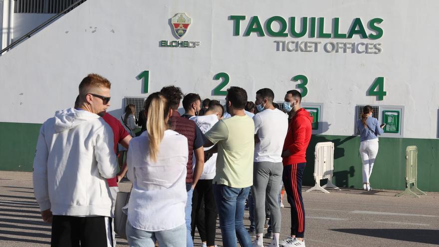 Primeras colas para comprar entradas del Elche-Real Madrid