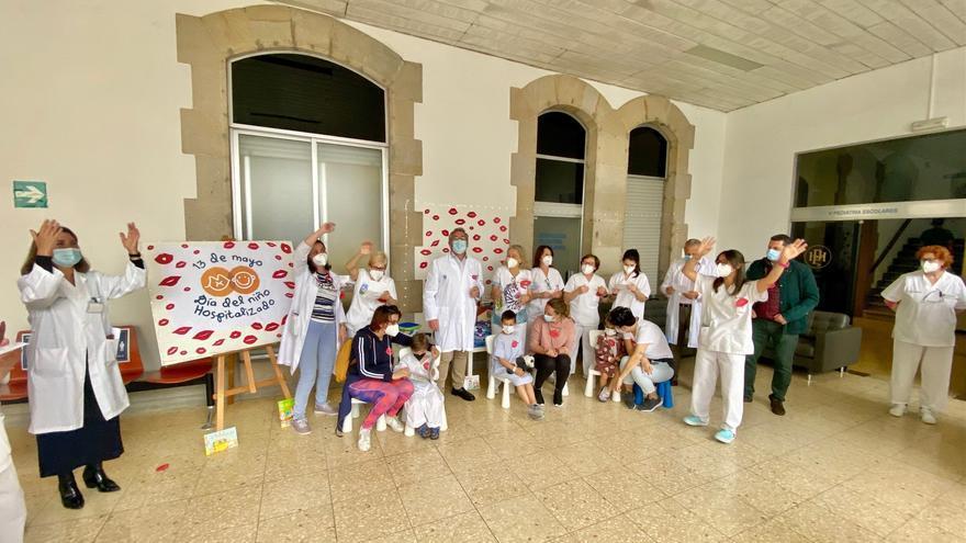 Besos solidarios para conmemorar el Día del Niño Hospitalizado