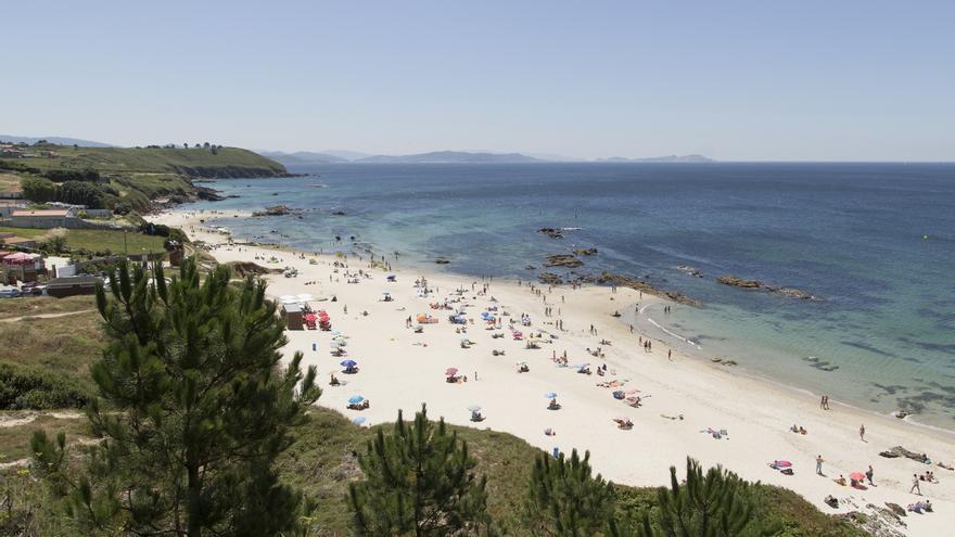 Cerradas al baño las playas de Pragueira y Bascuas