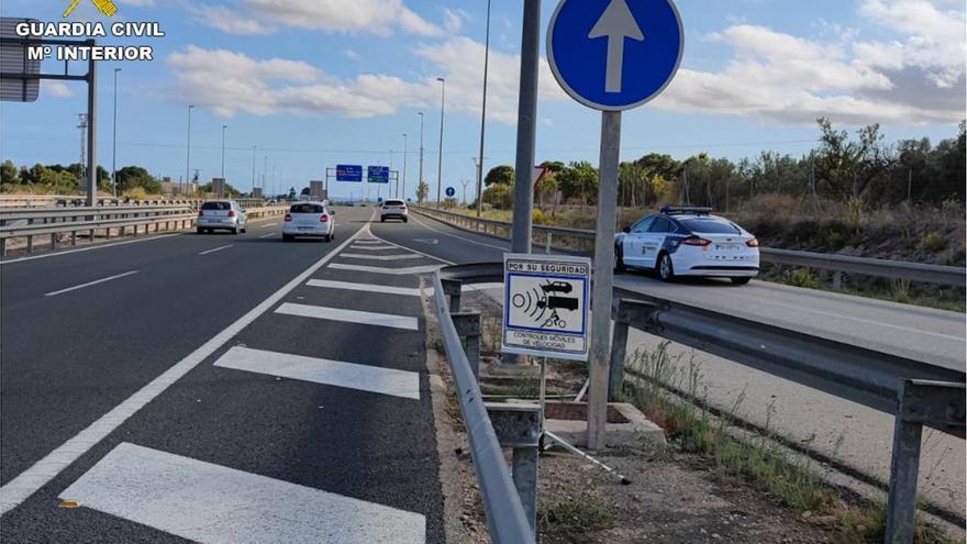 Cazado por la Guardia Civil a casi 200 kilómetros por hora en Elche