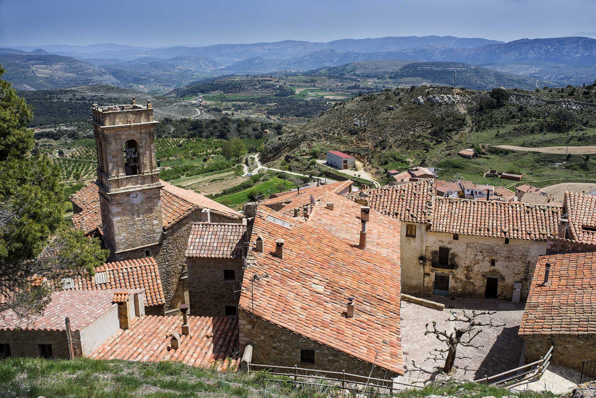 Vista_desde_lo_alto_del_pueblo_hacia_fuera001_0118.jpg