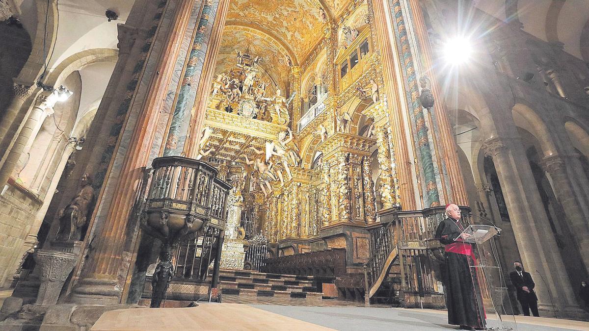 Tras casi diez años, la Catedral de Santiago muestra su esencia al completo