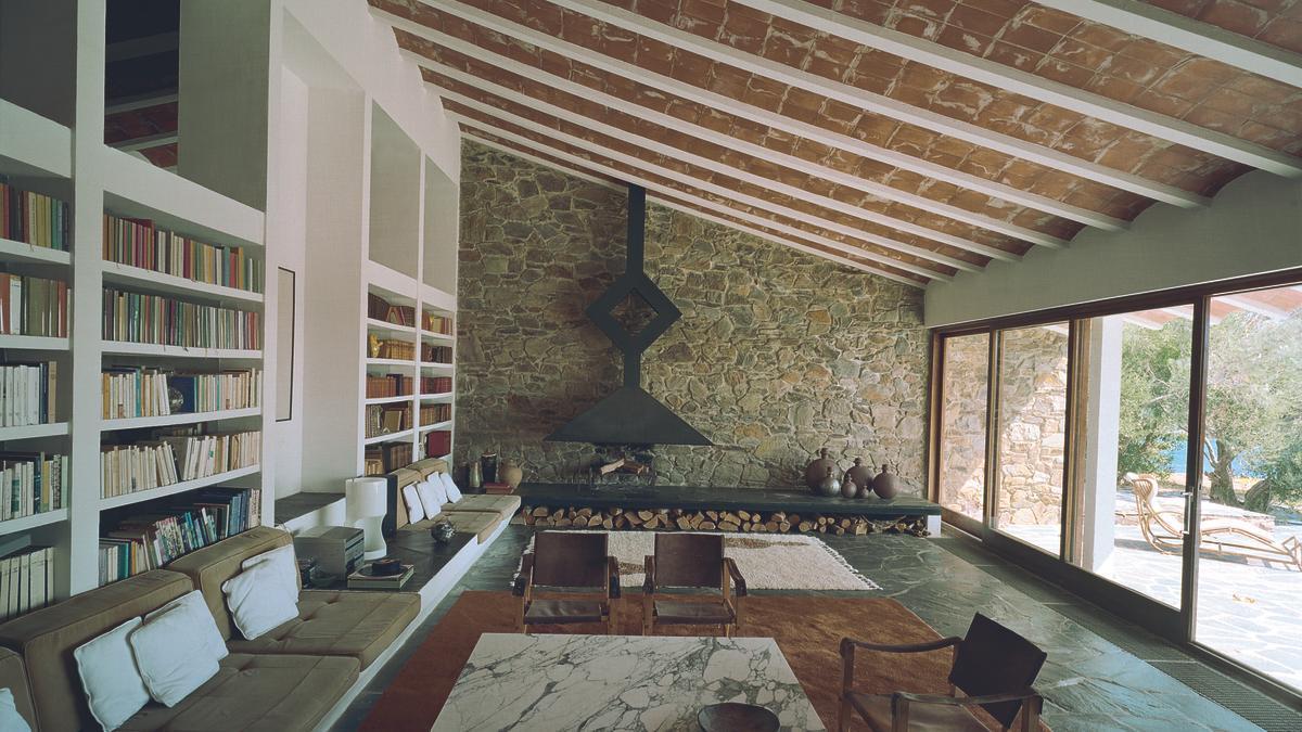 Interior de la Casa Fasquelle, que Peter Harnden i Lanfranco Bombelli van dissenyar a Cadaqués l'any 1968.
