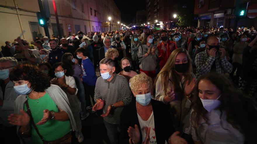 La Malva-rosa mantiene sus protestas por las drogas tras otra concentración con cientos de personas