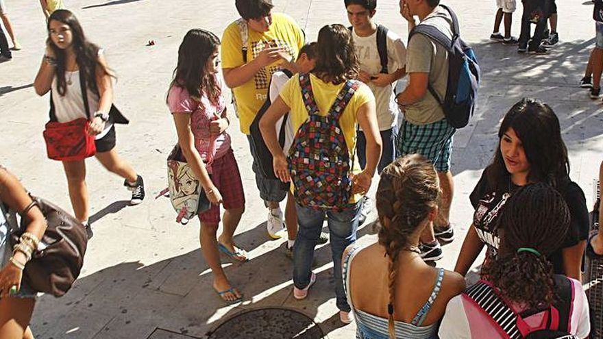 El Arenal, epicentro de la explosión de contagios de estudiantes que ya afecta a seis comunidades