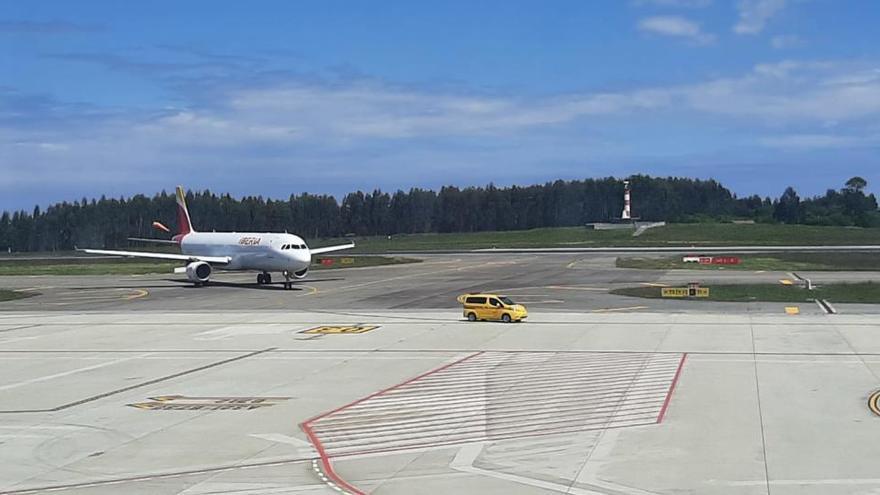 Aena adjudica la mejora de la pista del aeropuerto de Asturias en 12,5 millones