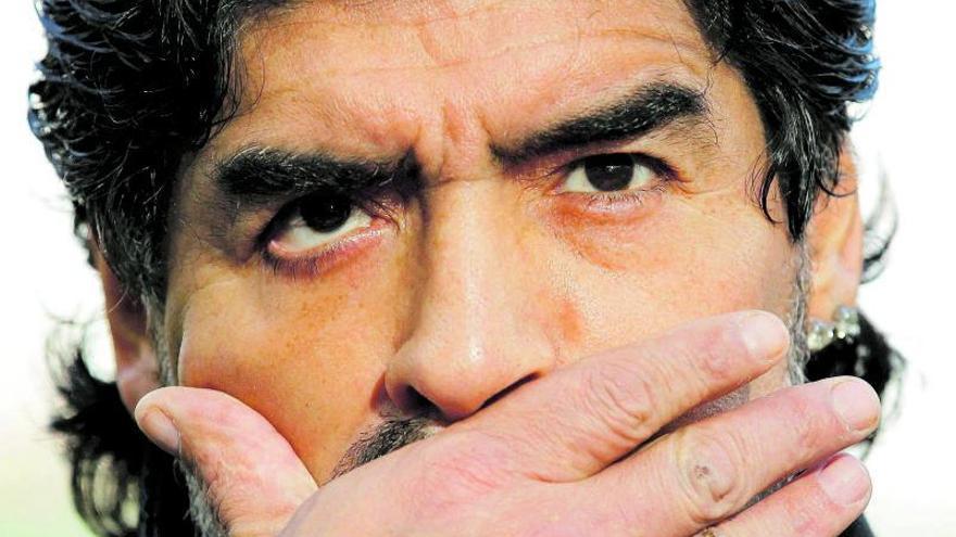 Maradona nos hace llorar otra vez