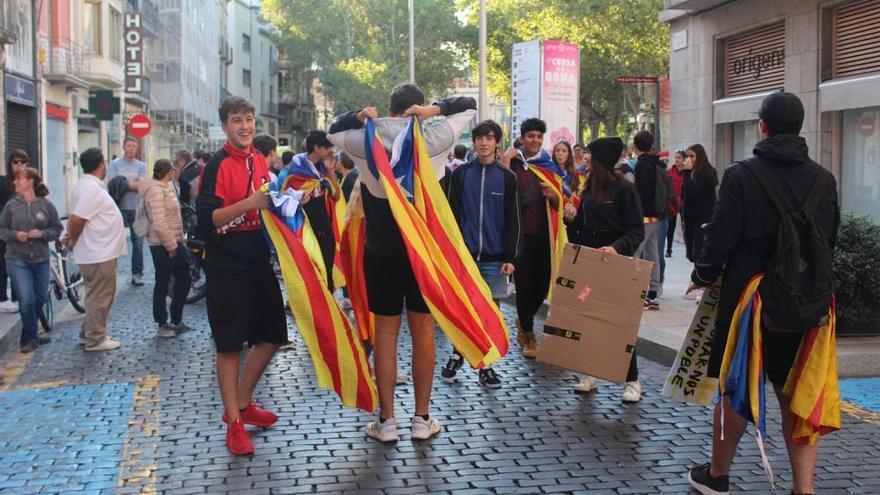 Un miler de persones es manifesta a Figueres per la llibertat dels presos polítics