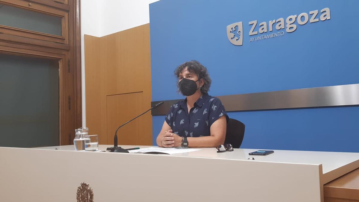 Luis Broto, durante la rueda de prensa en el Ayuntamiento de Zaragoza.