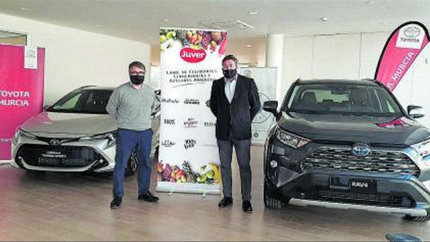 Toyota Murcia amplía la flota de Juver Alimentación con la incorporación de 18 vehículos híbridos