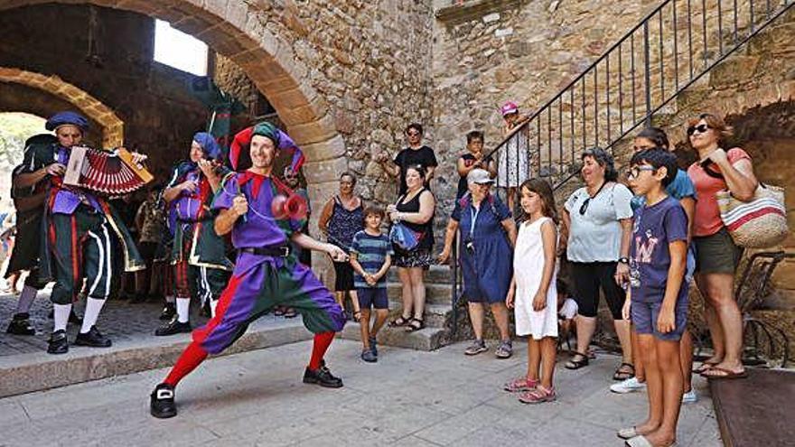 El nucli antic de Castell d'Aro torna a l'època medieval