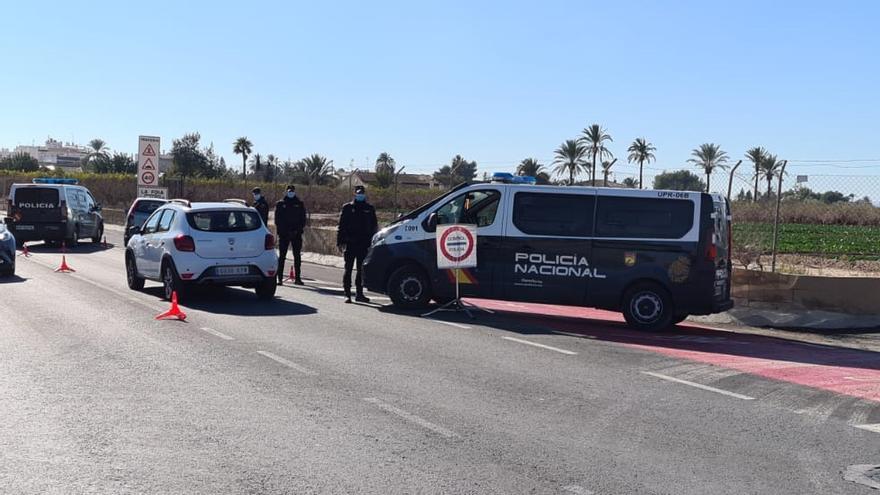 La Policía Nacional de Elche descubre en un control policial una gran cantidad de cocaína oculta en el interior de un vehículo y detiene a su conductor