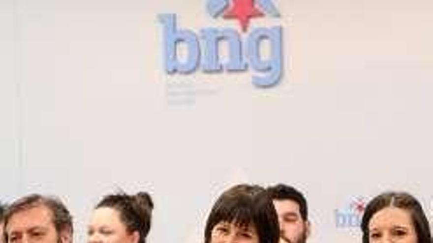 El BNG recupera a Iago Tabarés y Rosana Pérez y ficha a la escritora Mercedes Queixas