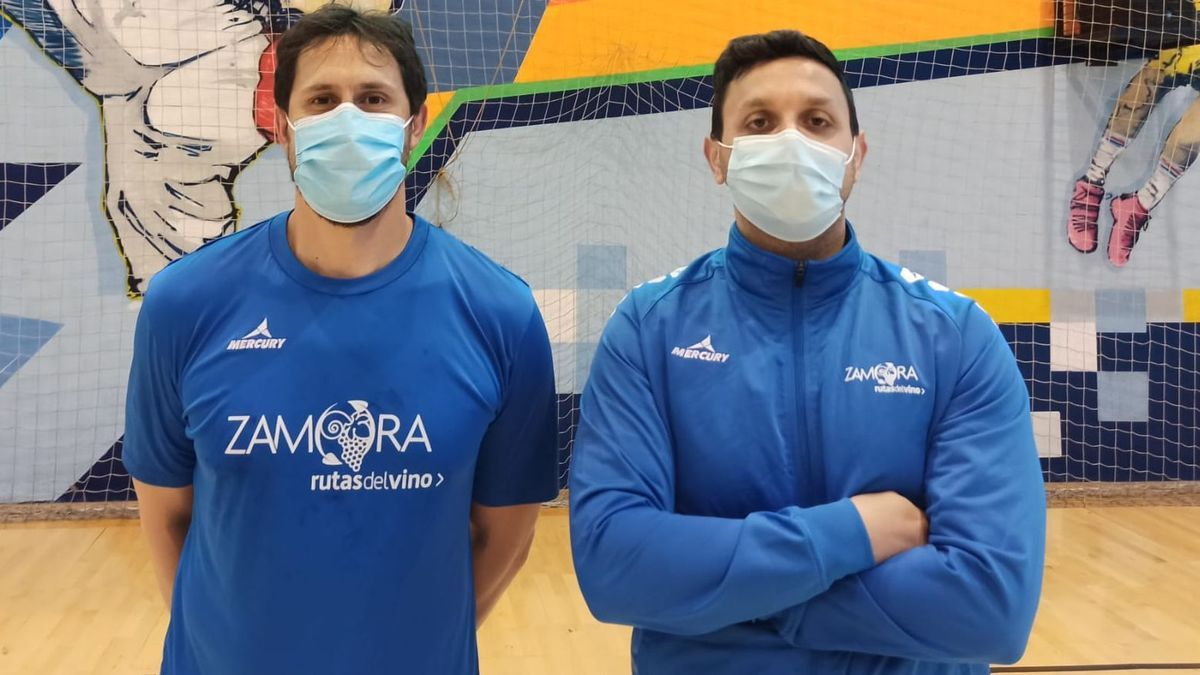 Fernando y Ricardo Margareto, jugador y técnico del BM Zamora.