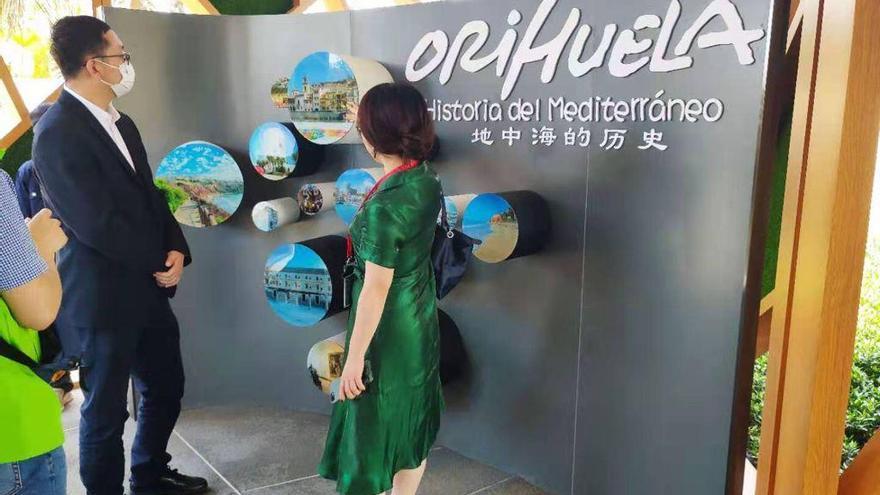 """España """"florece"""" en China con la representación de Orihuela en la Feria Internacional de las Flores"""