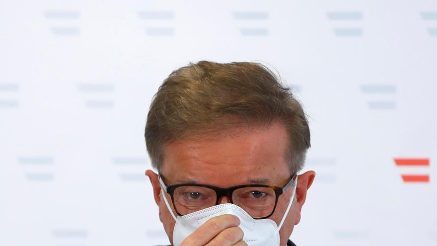 """Dimite el ministro de Sanidad de Austria """"agotado"""" por la gestión de la covid"""