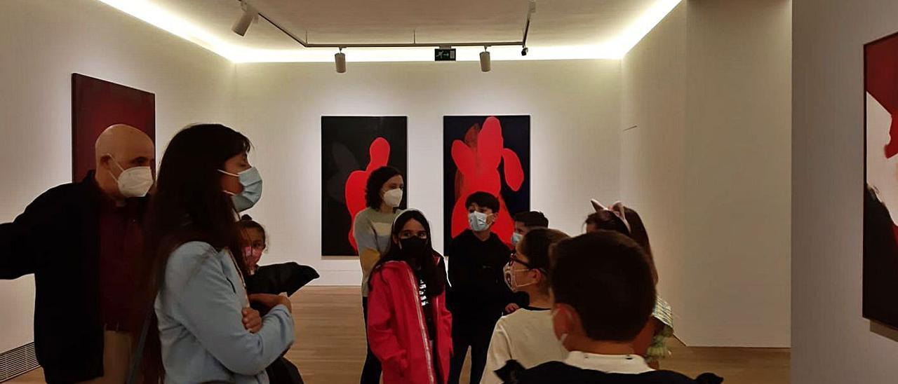 Los niños, en la visita al Museo de Bellas Artes.. | L.P.