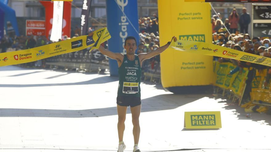 FOTOGALERÍA | Éxito rotundo en el regreso del Maratón de Zaragoza
