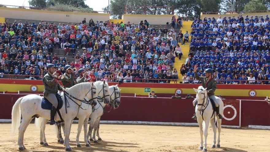 La Guardia Real exhibe sus destrezas en la provincia