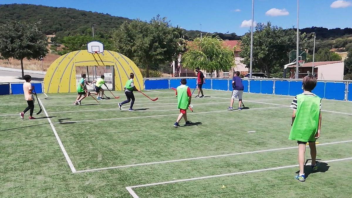 Hockey sobre césped, en las instalaciones deportivad de El Tejar