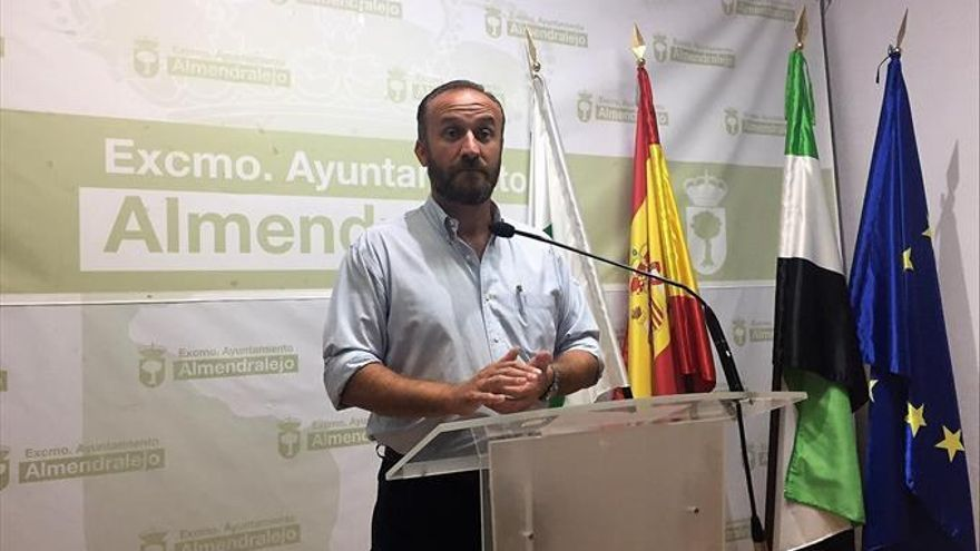 """Alcalde de Almendralejo: """"Sigo estando tranquilo. Con las manos muy limpias"""""""