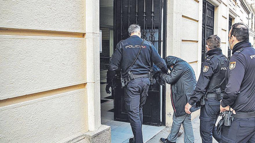 """La exmujer del responsable de Raga dice que Vega daba y recibía """"dinero negro"""""""