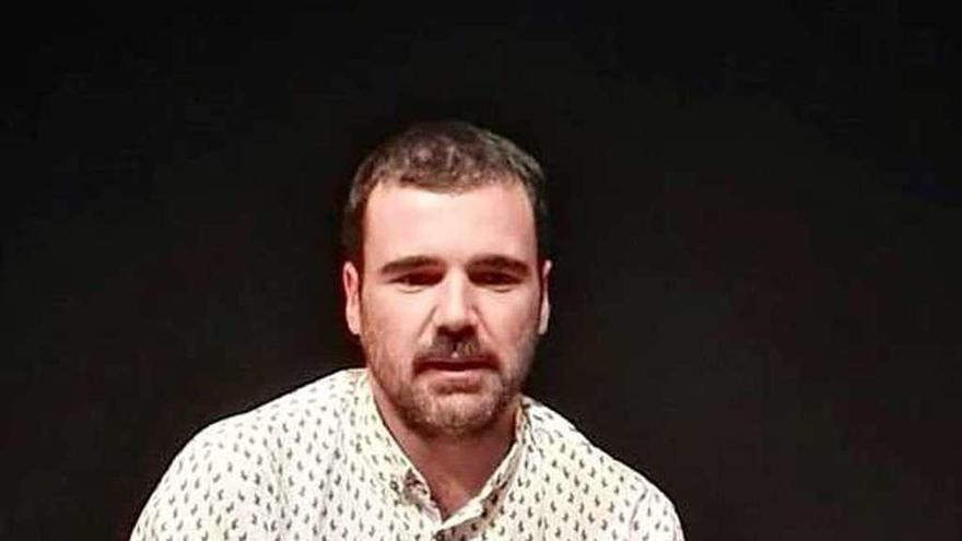 Julio Béjar quiere estrenar en Avilés su obra sobre Lamela