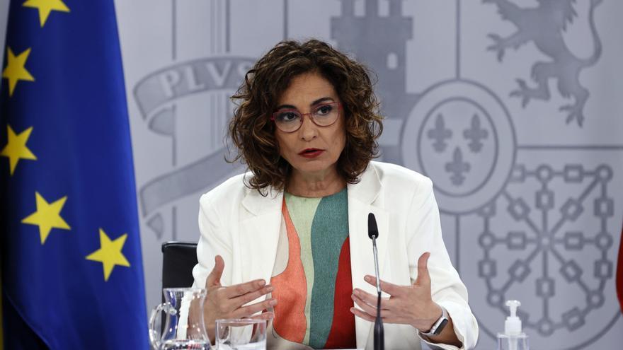 """Montero señala que el fin de la alarma es una """"buena noticia"""" en términos epidemiológicos"""