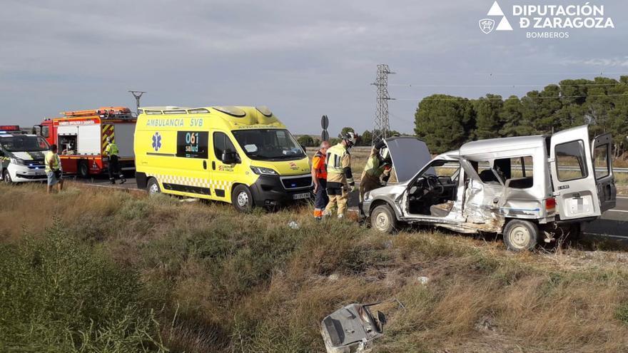 Una aparatosa colisión entre dos furgonetas deja un herido en Bujaraloz