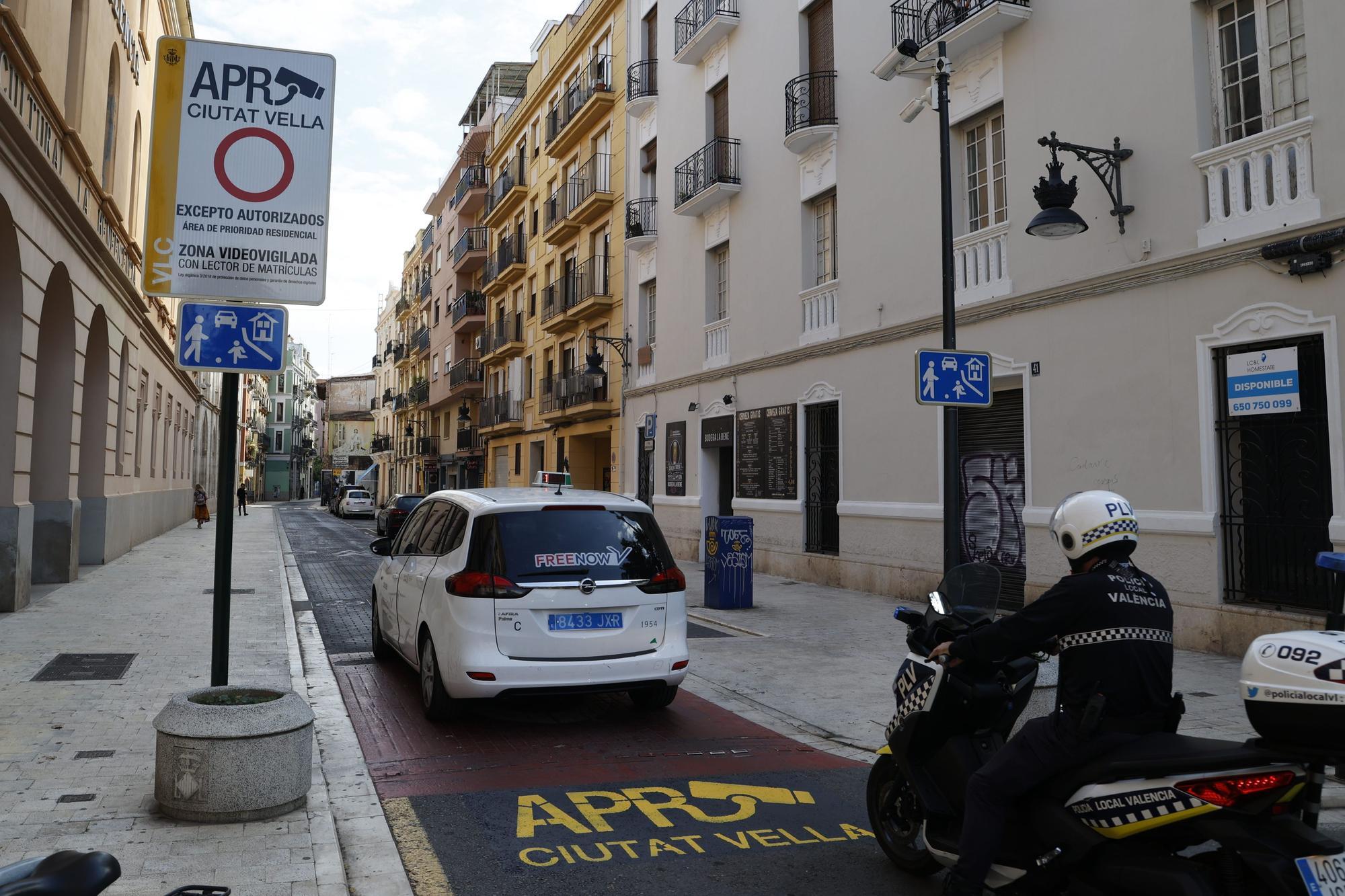 Las cámaras que multarán a los coches en el centro de València