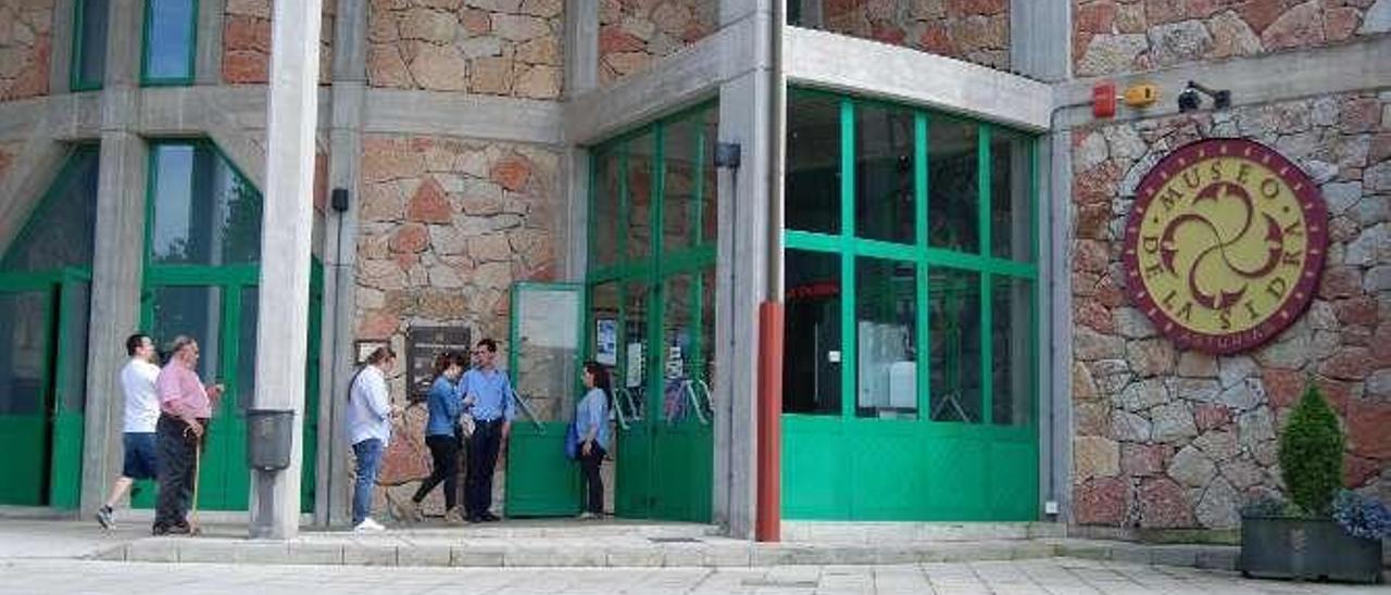 Turistas en el Museo de la Sidra.