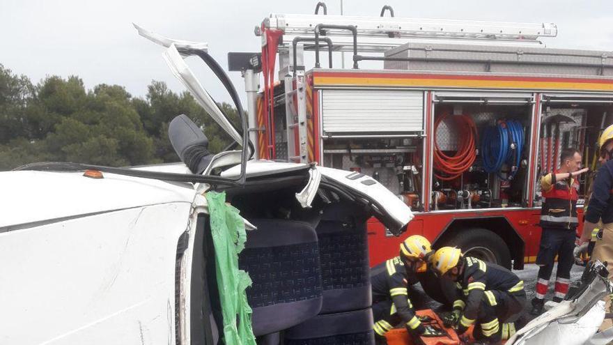 Herido grave en un accidente de tráfico en Alicante