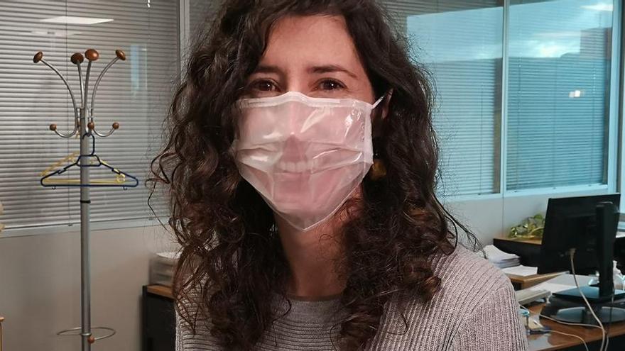 Balearische Kinder mit Hörproblemen bekommen transparente Masken