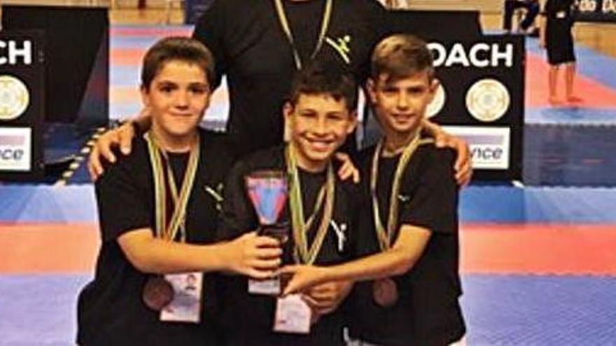 Tres karatekes  del Gimnàs Cantero  a la lliga estatal