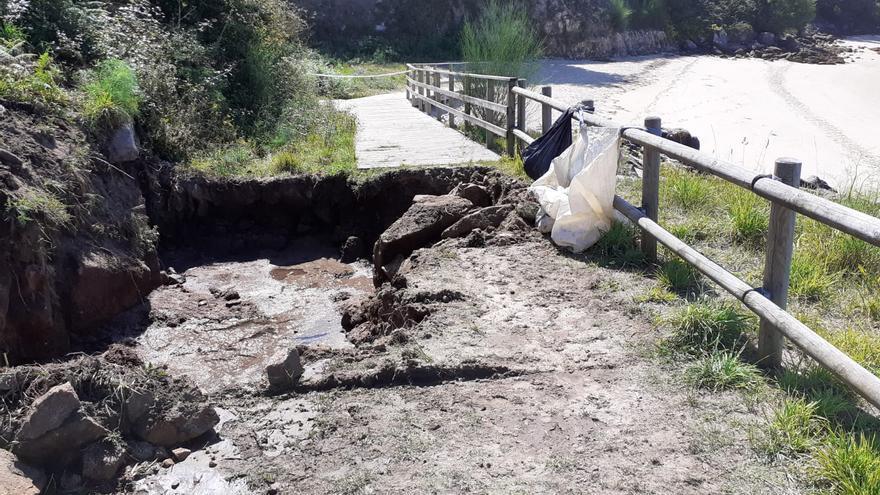 Moaña tendrá que parar el bombeo del saneamiento para arreglar el vertido en la playa de O Cocho