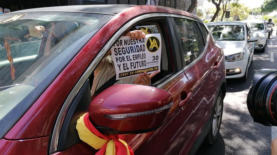 Empresas y sindicatos aplazan la caravana de protesta para exigir los test a los viajeros